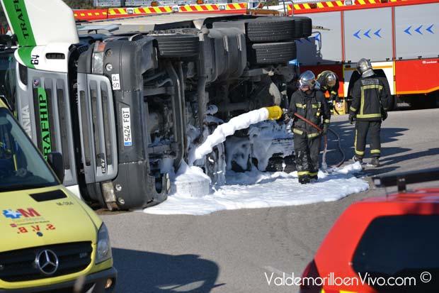 accidente Valdemorillo v uelco camión